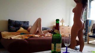 Skrytá kamera zachytí dlouhý amatérský sex